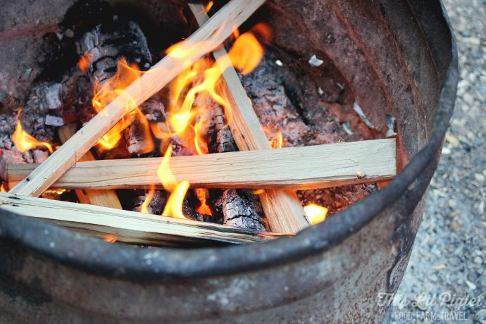 Campfire Cooking - How to Build a Cooking Fire // thislilpiglet.net
