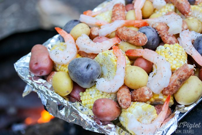 Campfire Shrimp Boil with Sausage // thislilpiglet.net