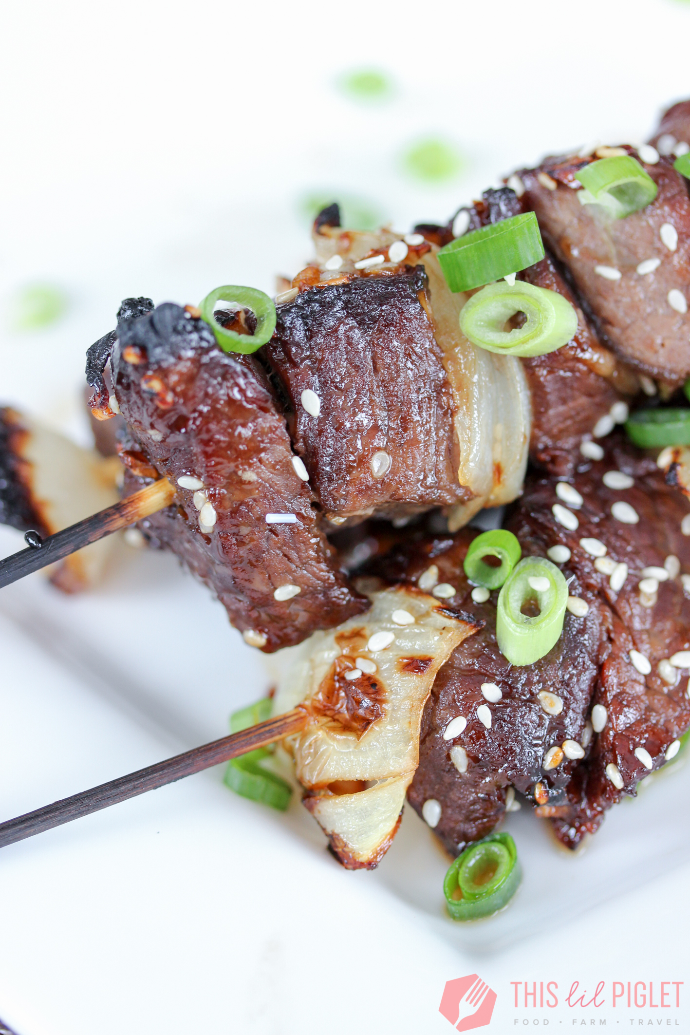 Asian Steak Skewers // thislilpiglet.net