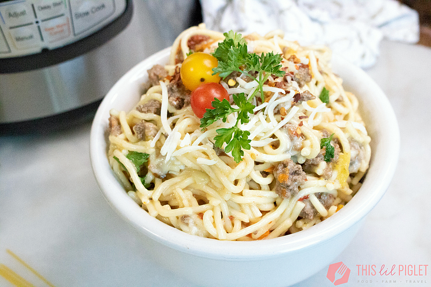 Instant Pot Beef Pasta and Heirloom Tomatoes // thislilpiglet.net